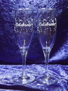 engraved-champagne-toasting-flutes